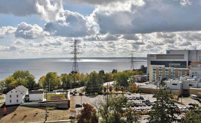 1101 – 442 Maple Ave, Burlington, Ontario