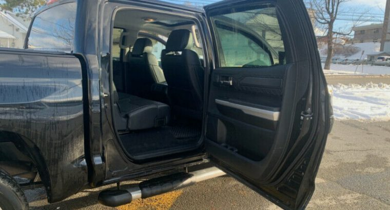 2017 Toyota Tundra, Crewmax Platinum, 4×4