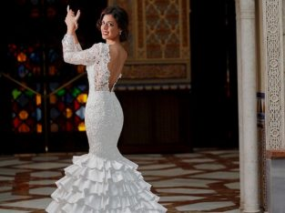 Lace Ruffled Mermaid Long Sleeve Wedding Gowns